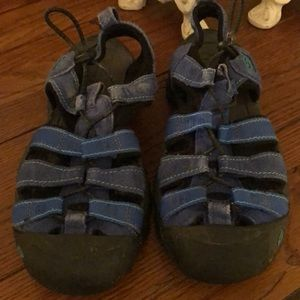 Skechers hiking or water shoes